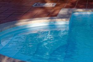 Shimmering-pool