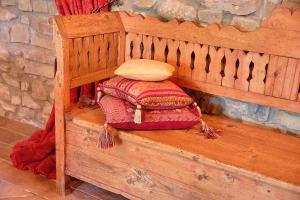 Wooden Bench 1200